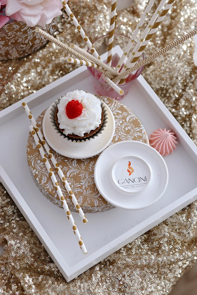 Декоративна свещ кексче Vanilla Cupcake