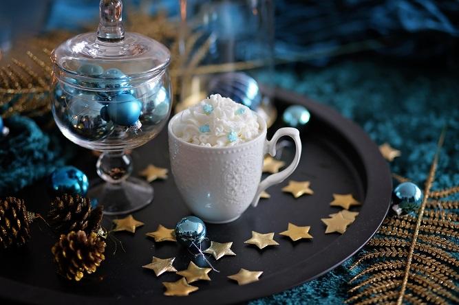 Декоративна свещ Snowflake Cappuccino