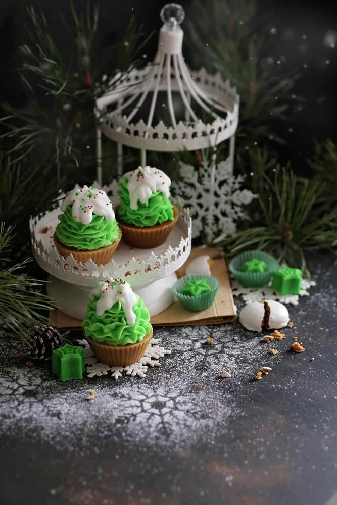 Декоративна свещ кексче Christmas Tree